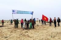 Chung tay hành động vì biển xanh không rác (Ảnh: Internet)