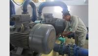 Vận hành trạm bơm cung cấp nước sạch tại Nhà máy Dạ Trạch của Công ty cổ phần Xây dựng Huy Phát, huyện Khoái Châu.