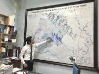 Lãnh đạo Ban Quản lý dự án trao đổi với phóng viên về quy mô và tiến độ dự án.