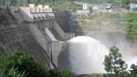Thủy điện Sông Tranh 2 (Bắc Trà My, Quảng Nam) xả nước. Ảnh: NGUYÊN KHÔI