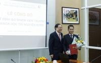 Thứ trưởng Lê Công Thành đã trao Quyết định bổ nhiệm ông Dương Hồng Sơn giữ chức Viện trưởng Viện Khoa học tài nguyên nước