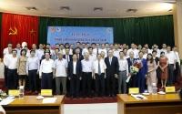 Ban Chấp hành Hội KTTV Việt Nam nhiệm kỳ 2019-2024 chụp ảnh cùng lãnh đạo Bộ TN&MT