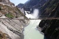 Đập Baglihar trên sông Chenab, chảy từ Kashmir do Ấn Độ kiểm soát vào Pakistan. Ảnh: Reuters