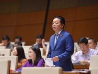 Bộ trưởng Trần Hồng Hà trả lời chất vấn của Đại biểu Quốc hội ngày 01/11 (Ảnh: Quốc Khánh)