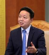 Đồng chí Trần Hồng Hà, Ủy viên Ban Chấp hành Trung ương Đảng, Bộ trưởng Bộ Tài nguyên và Môi trường trả lời phỏng vấn của phóng viên Báo Tài nguyên và Môi trường
