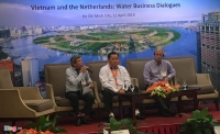 Đại diện Sawaco, Soctrangwaco và chuyên gia Rik Dierx tại buổi tọa đàm