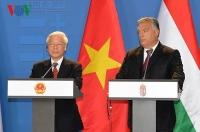 Tổng Bí thư Nguyễn Phú Trọng và Thủ tướng Viktor Orban gặp gỡ báo chí.