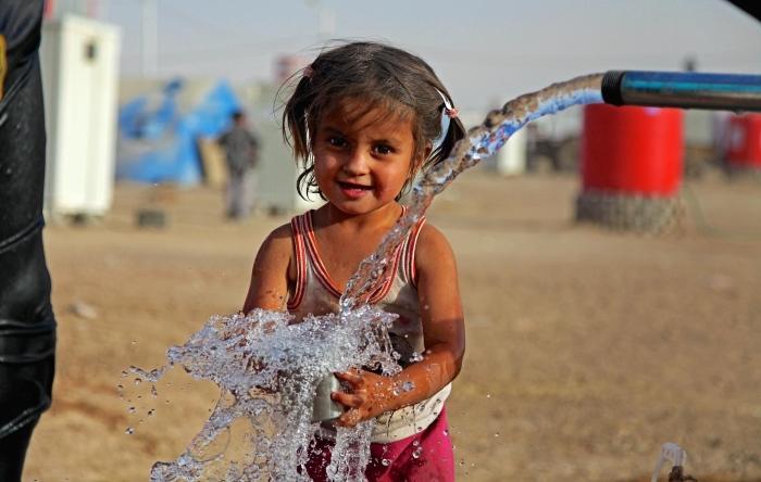 Nước và và cuộc khủng hoảng khí hậu toàn cầu đối với trẻ em: 10 điều bạn nên biết